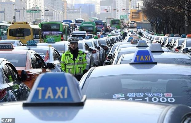 S  Korea cab drivers protest Uber-like ride share app